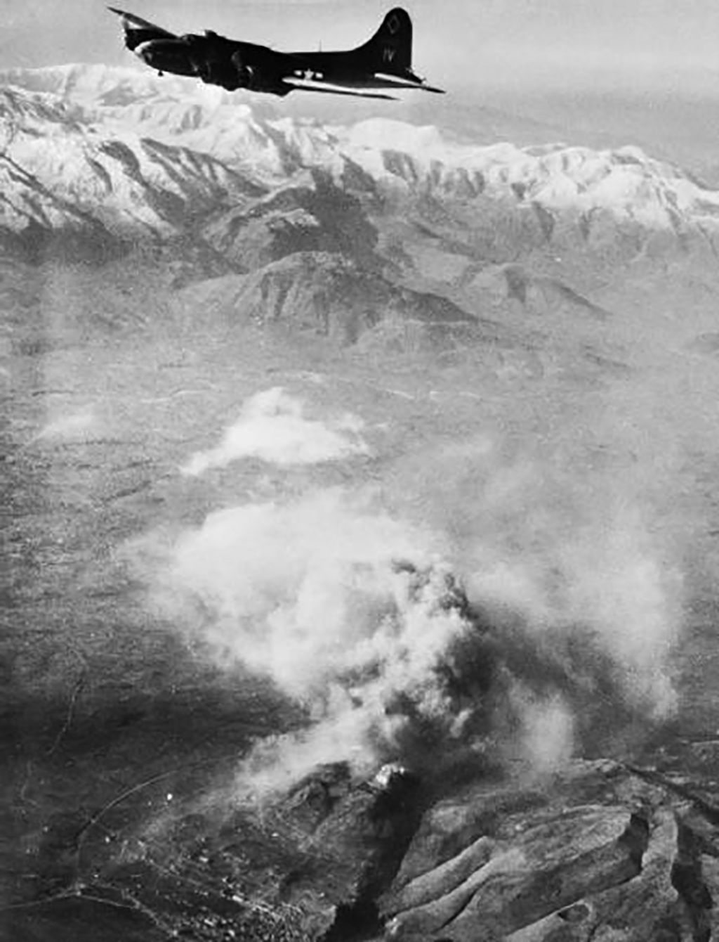 An American bomber flying over Cassino