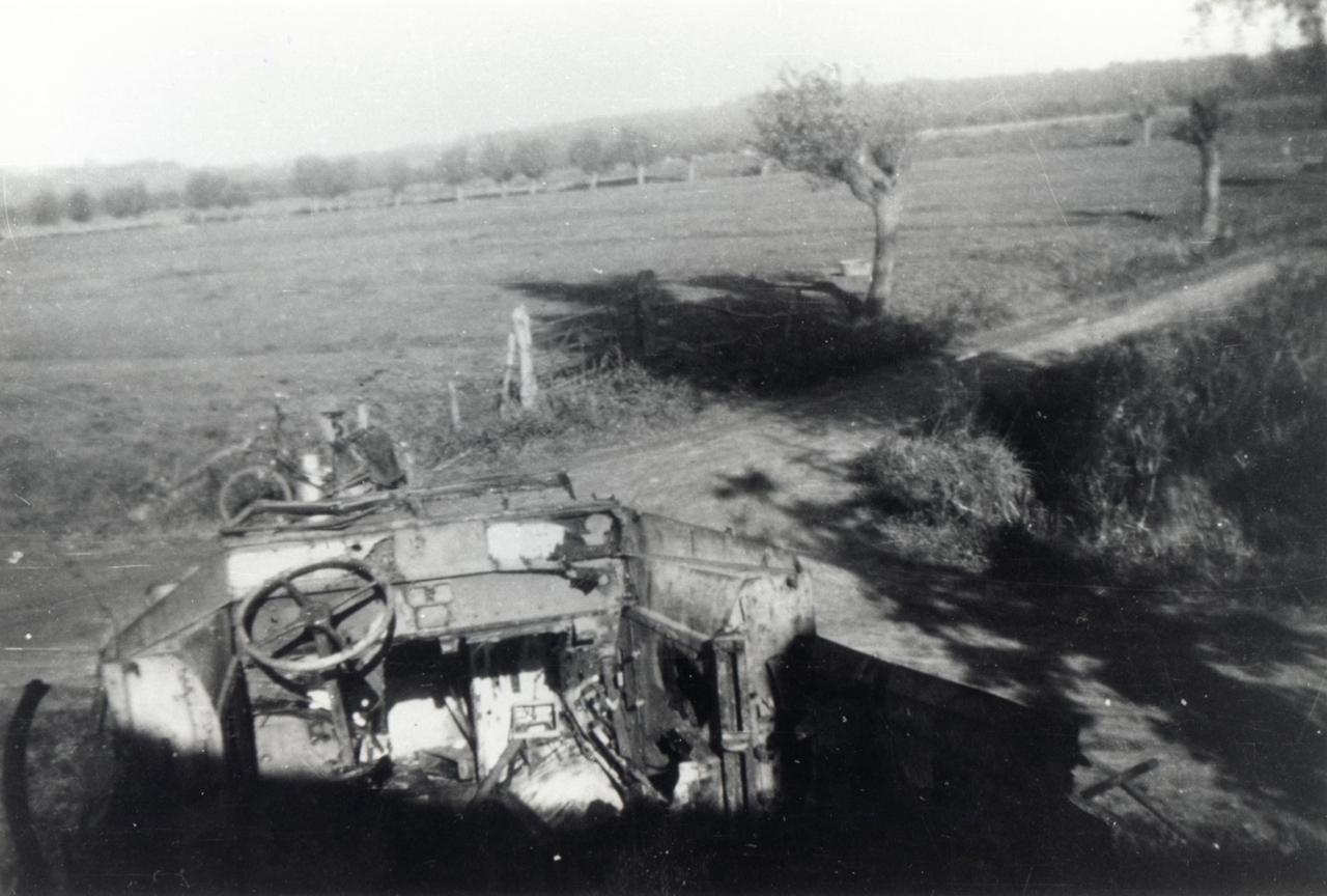 Stranded aid: supplies do not reach the British troops in Oosterbeek.