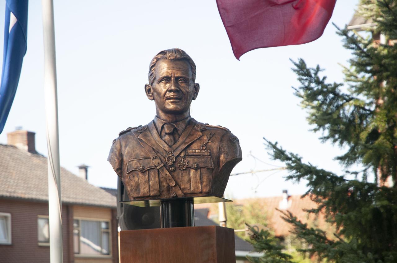 Headquarters and bust of Major General Stanisław Sosabowski